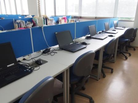 共有パソコンを多数設置しています